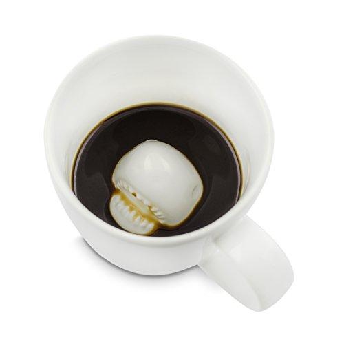 Grinscard Keramik Tasse mit Überraschungseffekt - Weiß Haiattacke Design 0,25l - Lustige Kaffeetasse als Geschenkidee